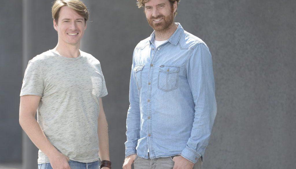 Die Gründer von playSports, Fabian Becker und Roy Pöschel.