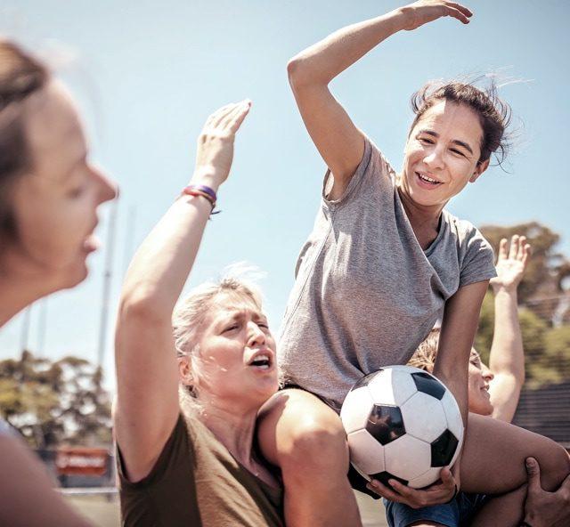 Frauen spielen Fußball