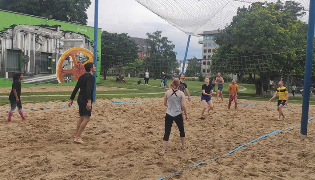 Beachvolleyball-Flingern